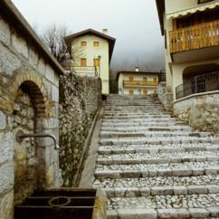 Scorcio di una scalinata nel comune di vitodasio-Soravito